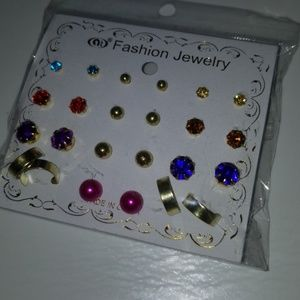 Jewelry - Multi earring set